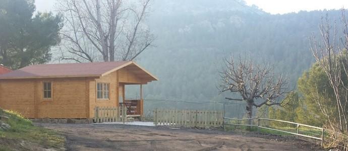 Montaje dos casas de madera FAY en Camping La Granja de Los Montañeros (Castellón)