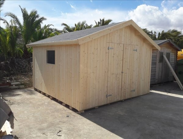 Montaje cobertizo de madera Nils 12,1 m² - Camping Vilanova Geltrú